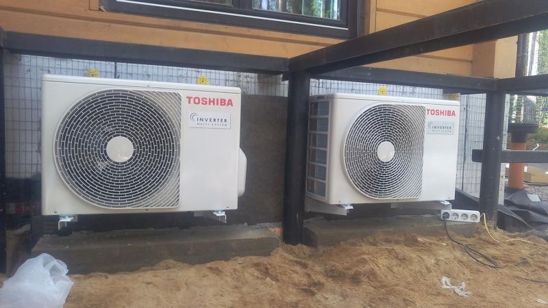 Коттедж в ЛО. Внешние блоки мульти сплит-систем Toshiba